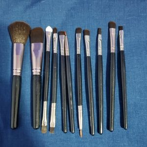12 Brand New Makeup Brushes
